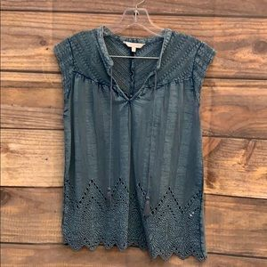 Eyelet Lucky Brand top